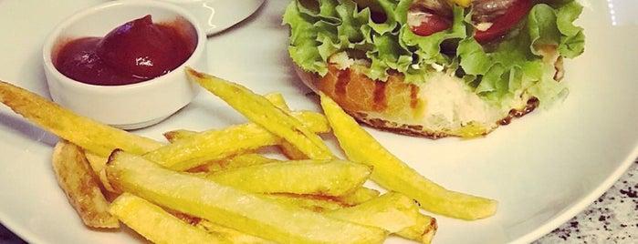 Cafe Life is one of Orte, die BuRcak gefallen.