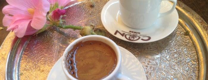 Mambocino Coffee is one of Tempat yang Disukai Hanna.