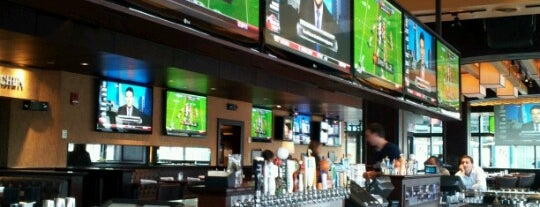Tony C's Sports Bar & Grill is one of Posti che sono piaciuti a Jason.