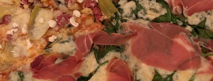 pizza de la ardilla amarilla is one of Abraham'ın Beğendiği Mekanlar.