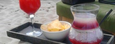 Salito Beach is one of tzeetje.