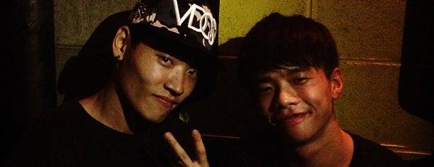 CLUB HARLEM is one of корея ночная жизнь.