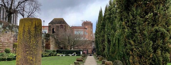 Roman Gardens is one of Locais curtidos por Henrique.