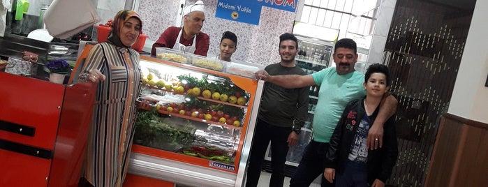 Öz Köfteci Bomba is one of Adana.