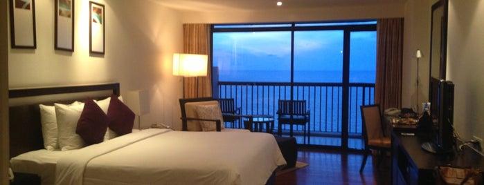 Novotel Hua Hin Cha Am Beach Resort and Spa is one of Posti che sono piaciuti a Nithi.