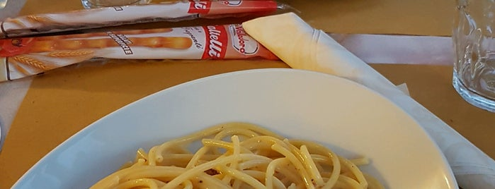 Hotel Restaurante Pizzeria Saturnia is one of Verona & Lago di Garda.