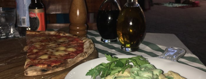 Eatitaly is one of Tempat yang Disukai Monica.