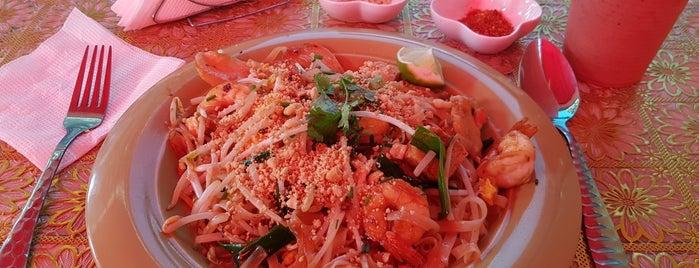 Luck Thai is one of Por Corregir.