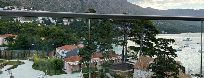 Sheraton Dubrovnik Riviera Hotel is one of Alejandro'nun Beğendiği Mekanlar.