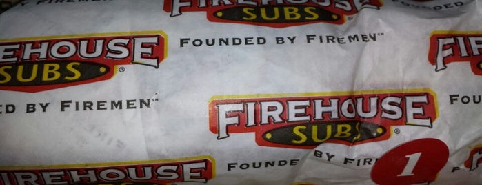 Firehouse Subs is one of สถานที่ที่ Dave ถูกใจ.