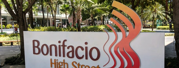Bonifacio High Street Central is one of สถานที่ที่ Shank ถูกใจ.
