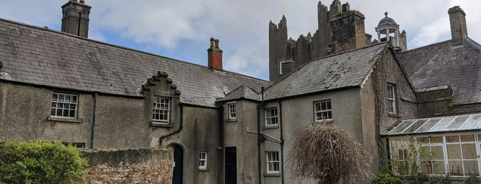 Howth Castle is one of Dublin.