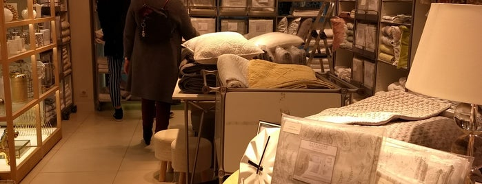 Zara Home is one of Joud's Liked Places.