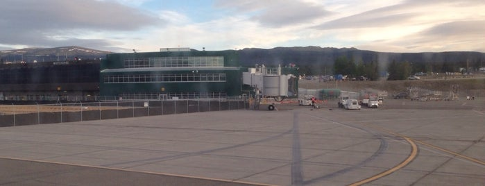 Whitehorse International Airport (YXY) is one of JRA 님이 저장한 장소.
