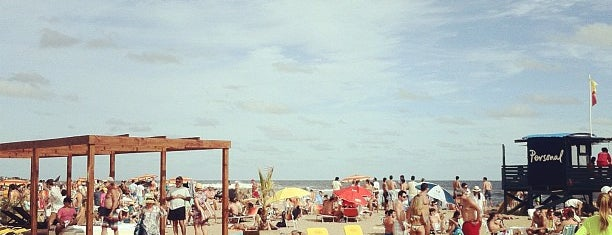 Bikini Beach is one of Agustin'in Beğendiği Mekanlar.