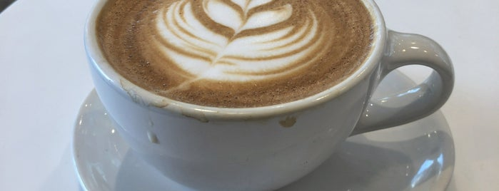 Blue Bottle Coffee is one of สถานที่ที่ Jen ถูกใจ.