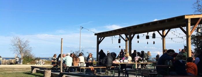 Island Creek Oyster Raw Bar is one of Orte, die Chris gefallen.