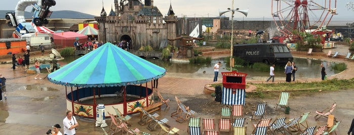 Dismaland is one of Wish List.
