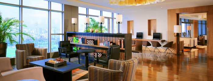 Sheraton Club Lounge is one of Tempat yang Disimpan Metin.