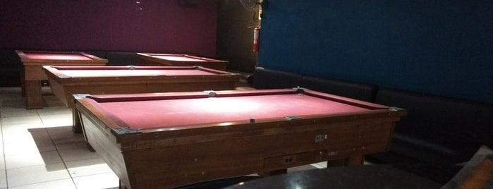 Área 51 Bar & Snooker is one of Locais curtidos por Rafael.
