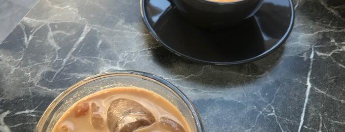 Rise&Shine Coffee is one of สถานที่ที่บันทึกไว้ของ Ezgi.