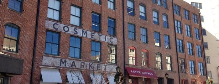 Warehouse Row is one of Tempat yang Disukai Christina.
