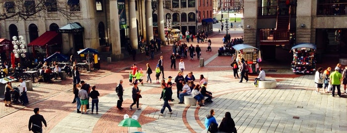Quincy Market is one of Boston x Down in Beantown.