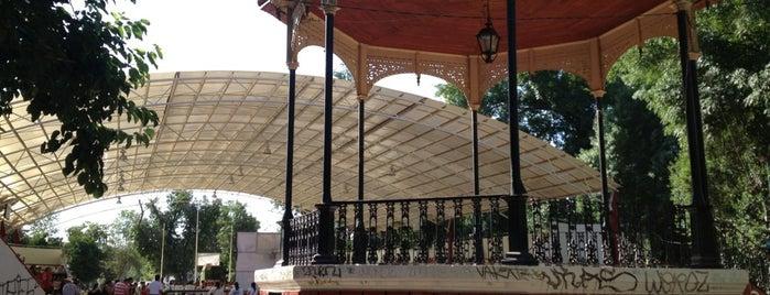 Parque Victoria is one of สถานที่ที่ R ถูกใจ.