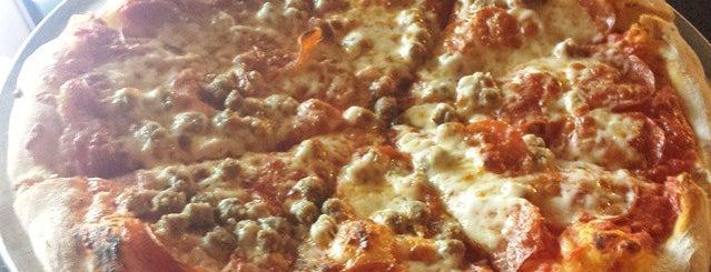 Z's  Brick Oven Pizza is one of Posti salvati di Justin.