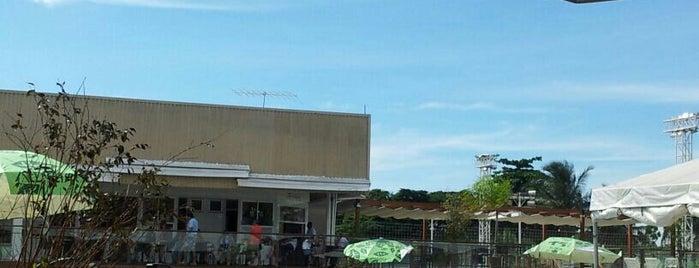 Clube de Engenharia de Goiás is one of Locais curtidos por Luísa.