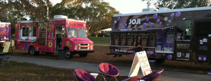 Food Truck Invasion's Family Night @ Plantation Heritage Park is one of Miami - FL - USA.