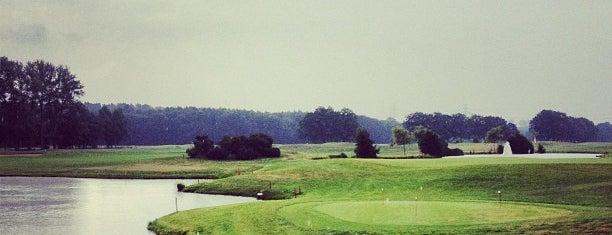 Golfclub Gut Glinde e.V. is one of Locais curtidos por Jana.
