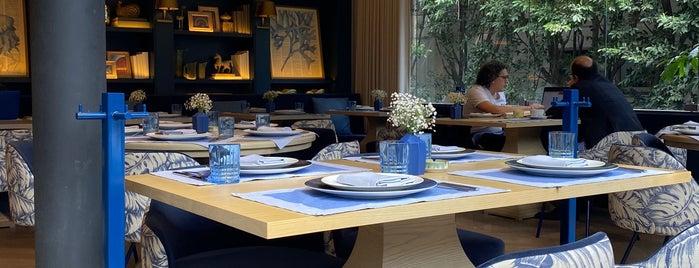 Café Ó is one of Lieux qui ont plu à Diana.