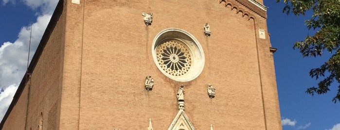 Piazza San Francesco is one of Tempat yang Disukai R.
