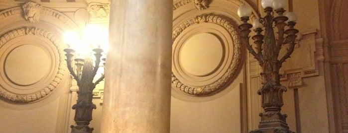 Palazzo della Borsa is one of Posti che sono piaciuti a Enrico.