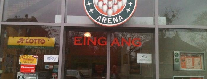 Bowling Arena is one of Locais curtidos por Max.
