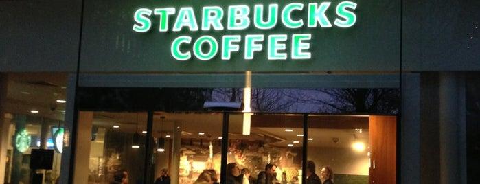 Starbucks is one of สถานที่ที่ Daniele ถูกใจ.