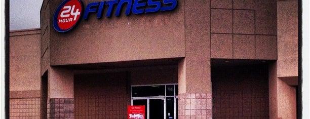 24 Hour Fitness is one of Lieux qui ont plu à Matt.