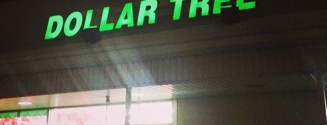 Dollar Tree is one of Tempat yang Disukai Kristin.