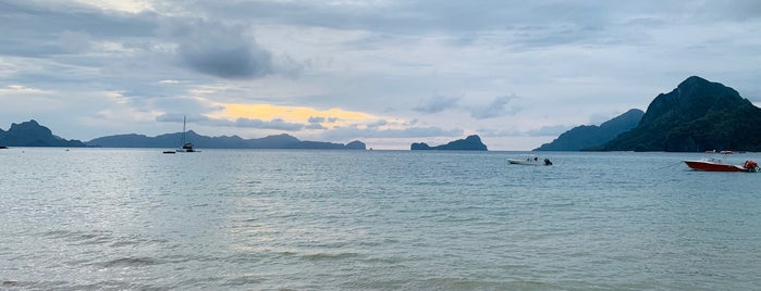 Las Cabanas Beach is one of El Nido.