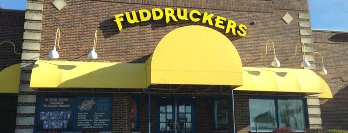 Fuddruckers is one of Lieux qui ont plu à Julio.