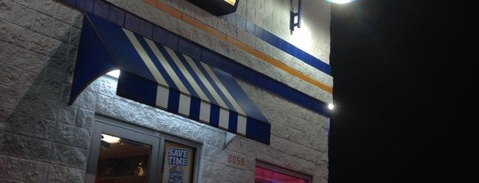 White Castle is one of Lugares favoritos de Selena.