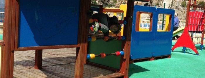 Camp Bay Children's Park is one of tredozio.