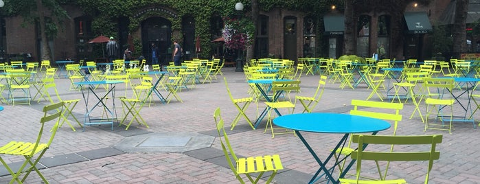 Occidental Square is one of สถานที่ที่ Kate ถูกใจ.