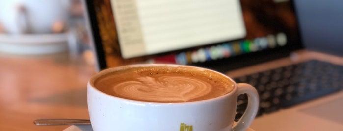 Caffe Umbria is one of สถานที่ที่ Kate ถูกใจ.