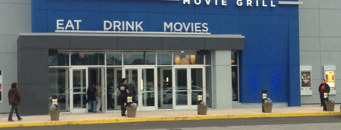 Studio Movie Grill Duluth is one of Jennifer'in Beğendiği Mekanlar.