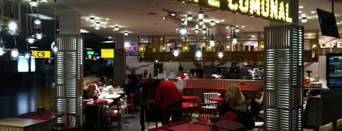 Cafe Comunal is one of Schiphol.