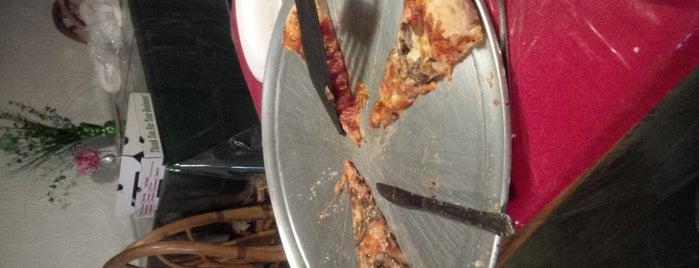 Universal Pizza is one of Tiona : понравившиеся места.