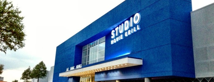 Studio Movie Grill Spring Valley is one of Locais curtidos por Michael.