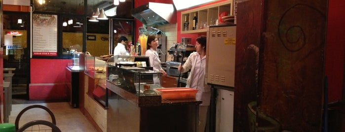 Kebab Star & Pizza is one of สถานที่ที่ Michal ถูกใจ.